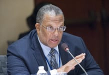 Minister go Finance and Planning Peter Phillips
