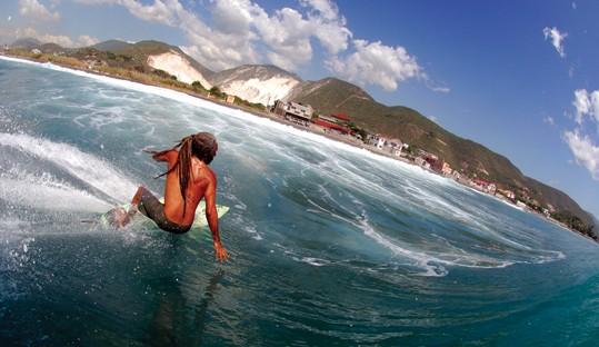 Jamaica surfing