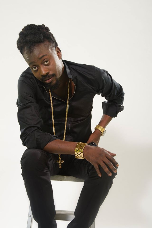 Beenie Man performs a cappella at Tallawah match in Jamaica
