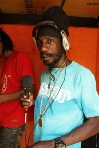 Sizzla wears the AnSWeR