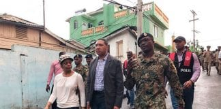Jamaica Prime Minister tours Zoso a town riddled with illegal guns and crime - Caribbean National Weekly News