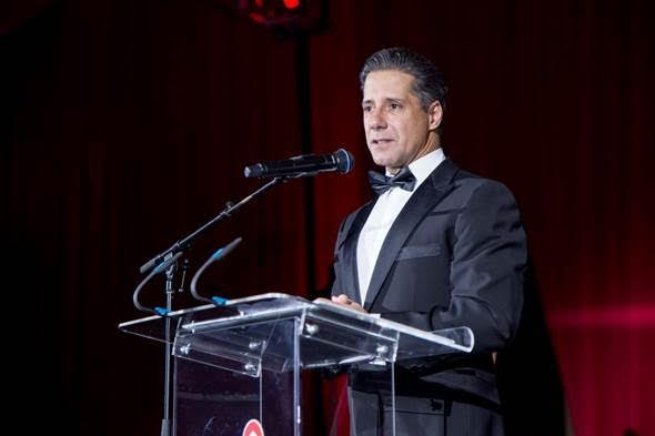 Superintendent Alberto M. Carvalho Receives Humanitarian Award