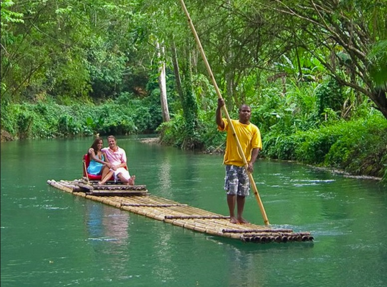 American child and Jamaican raft captain drown in Martha Brae ...