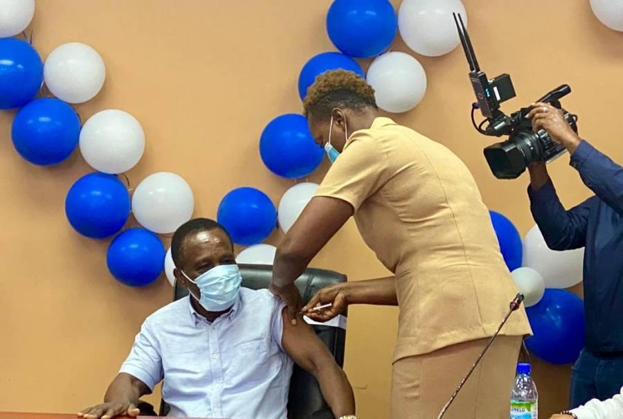 Grenada PM vaccine